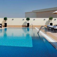 Отель Avani Deira Dubai Hotel ОАЭ, Дубай - 1 отзыв об отеле, цены и фото номеров - забронировать отель Avani Deira Dubai Hotel онлайн бассейн фото 3
