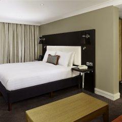 DoubleTree by Hilton London - Ealing Hotel сейф в номере