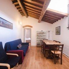 Отель Lovely 4BD Apt 3min Walk to Ponte Vecchio комната для гостей фото 3
