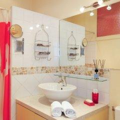 Отель Mini Suite Miro Five Stars Holiday House Франция, Ницца - отзывы, цены и фото номеров - забронировать отель Mini Suite Miro Five Stars Holiday House онлайн ванная