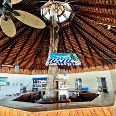 Отель Negril Tree House Resort гостиничный бар