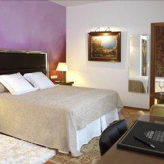 Отель Mirador de Dalt Vila сейф в номере