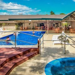 Отель Tanoa Skylodge Hotel Фиджи, Вити-Леву - отзывы, цены и фото номеров - забронировать отель Tanoa Skylodge Hotel онлайн бассейн фото 2