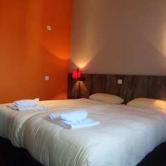 Отель Brxxl 5 City Centre Hostel Бельгия, Брюссель - 2 отзыва об отеле, цены и фото номеров - забронировать отель Brxxl 5 City Centre Hostel онлайн комната для гостей фото 2