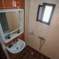 Отель Little Lindos Sea View Studios ванная фото 2