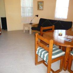 Отель Moxons Beach Club Boutique Hotel Ямайка, Монастырь - отзывы, цены и фото номеров - забронировать отель Moxons Beach Club Boutique Hotel онлайн комната для гостей фото 2
