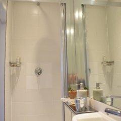 Отель Modern and Spacious Belsize Park Apartment Великобритания, Лондон - отзывы, цены и фото номеров - забронировать отель Modern and Spacious Belsize Park Apartment онлайн ванная фото 2
