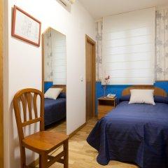 Отель Hostal Montaloya комната для гостей