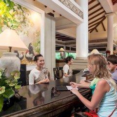 Отель Thavorn Beach Village Resort & Spa Phuket гостиничный бар