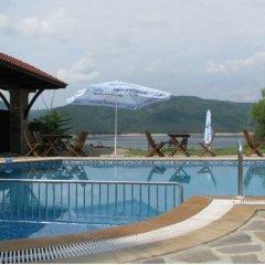 Отель Family Hotel St. Konstantin Болгария, Ардино - отзывы, цены и фото номеров - забронировать отель Family Hotel St. Konstantin онлайн бассейн