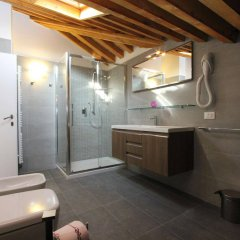 Отель City Apartments Rialto Италия, Венеция - отзывы, цены и фото номеров - забронировать отель City Apartments Rialto онлайн ванная фото 2