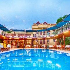 Grand Ruya Hotel Турция, Чешме - 1 отзыв об отеле, цены и фото номеров - забронировать отель Grand Ruya Hotel онлайн бассейн фото 2