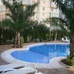Отель Apartamentos Esmeralda Suites бассейн
