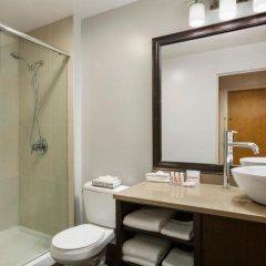 Отель Days Inn - Vancouver Downtown Канада, Ванкувер - отзывы, цены и фото номеров - забронировать отель Days Inn - Vancouver Downtown онлайн ванная