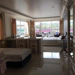 Отель Phuket Airport Suites & Lounge Bar - Club 96 интерьер отеля