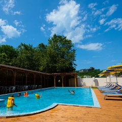 Гостиница Приморьe De Luxe в Ольгинке отзывы, цены и фото номеров - забронировать гостиницу Приморьe De Luxe онлайн Ольгинка бассейн фото 3