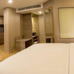 Отель Glow Sukhumvit 5 By Centropolis Бангкок комната для гостей фото 3
