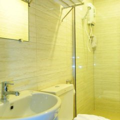 Отель Maxim'S Inn Бангкок ванная фото 2