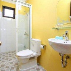 Отель Hop Y Homestay Хойан ванная