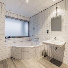Отель Urban Lodge Hotel Нидерланды, Амстердам - отзывы, цены и фото номеров - забронировать отель Urban Lodge Hotel онлайн ванная фото 2
