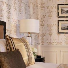 Отель Four Seasons Hotel Prague Чехия, Прага - 6 отзывов об отеле, цены и фото номеров - забронировать отель Four Seasons Hotel Prague онлайн удобства в номере фото 2