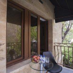 Отель Elysium Gallery Hotel Армения, Ереван - отзывы, цены и фото номеров - забронировать отель Elysium Gallery Hotel онлайн балкон
