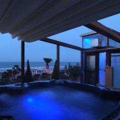 Hotel La Riva бассейн