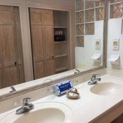 Отель Coral Sands Beach Resort ванная
