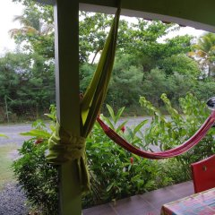 Отель Bungalow With one Bedroom in Guadeloupe, With Pool Access, Enclosed Ga балкон