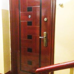 Апартаменты Na 1-Ya Ulitsa Bebelya 7 Apartments Москва сейф в номере