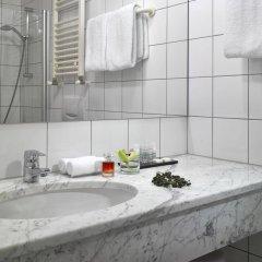 Отель K+K Hotel Fenix Чехия, Прага - 4 отзыва об отеле, цены и фото номеров - забронировать отель K+K Hotel Fenix онлайн ванная фото 2