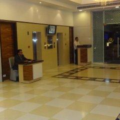 Отель Tulip Inn West Delhi банкомат