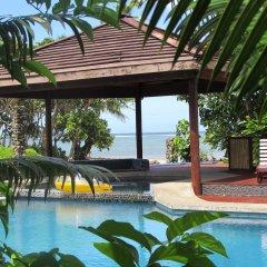 Отель deVos - The Private Residence бассейн