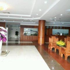 Отель Ha Long Hotel Вьетнам, Вунгтау - отзывы, цены и фото номеров - забронировать отель Ha Long Hotel онлайн интерьер отеля фото 3