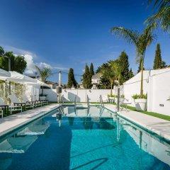 Costa del Sol Hotel бассейн