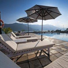 Отель Waterfront by KGH Group Непал, Покхара - отзывы, цены и фото номеров - забронировать отель Waterfront by KGH Group онлайн бассейн