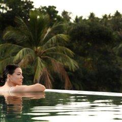 Отель Absolute Twin Sands Resort & Spa бассейн