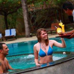Отель Siddhalepa Ayurveda Health Resort Шри-Ланка, Ваддува - отзывы, цены и фото номеров - забронировать отель Siddhalepa Ayurveda Health Resort онлайн бассейн