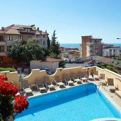 Отель Family Hotel Milev Болгария, Свети Влас - отзывы, цены и фото номеров - забронировать отель Family Hotel Milev онлайн бассейн фото 2