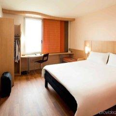 Отель Ibis Barcelona Santa Coloma Испания, Санта-Колома-де-Граманет - отзывы, цены и фото номеров - забронировать отель Ibis Barcelona Santa Coloma онлайн комната для гостей фото 2