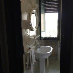Отель Nazionale Италия, Тецце-суль-Брента - отзывы, цены и фото номеров - забронировать отель Nazionale онлайн ванная
