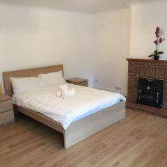 Апартаменты Heathrow LHR Apartments комната для гостей фото 4