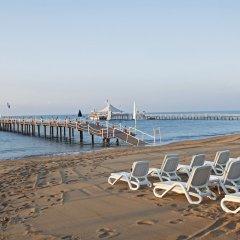 Alva Donna Beach Resort Comfort Турция, Сиде - отзывы, цены и фото номеров - забронировать отель Alva Donna Beach Resort Comfort онлайн приотельная территория фото 2