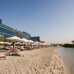 Отель Fairmont Bab Al Bahr ОАЭ, Абу-Даби - 1 отзыв об отеле, цены и фото номеров - забронировать отель Fairmont Bab Al Bahr онлайн пляж фото 2