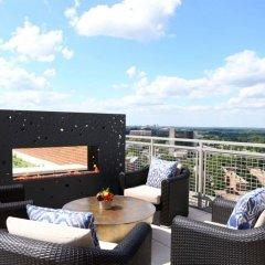 Отель Global Luxury Suites at Woodmont Triangle South США, Бетесда - отзывы, цены и фото номеров - забронировать отель Global Luxury Suites at Woodmont Triangle South онлайн балкон