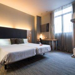 Отель Petit Palace Tres Cruces комната для гостей фото 2