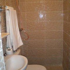 Отель Hôtel La Gazelle Ouarzazate Марокко, Уарзазат - отзывы, цены и фото номеров - забронировать отель Hôtel La Gazelle Ouarzazate онлайн ванная фото 2