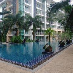 Отель The Royal Place бассейн