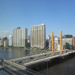 Отель APA Hotel Nihombashi-Hamachoeki - Minami Япония, Токио - отзывы, цены и фото номеров - забронировать отель APA Hotel Nihombashi-Hamachoeki - Minami онлайн балкон