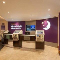 Отель Premier Inn Brighton City Centre Брайтон банкомат